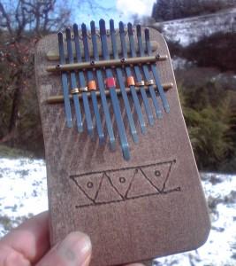 朴の木の板のカリンバa3